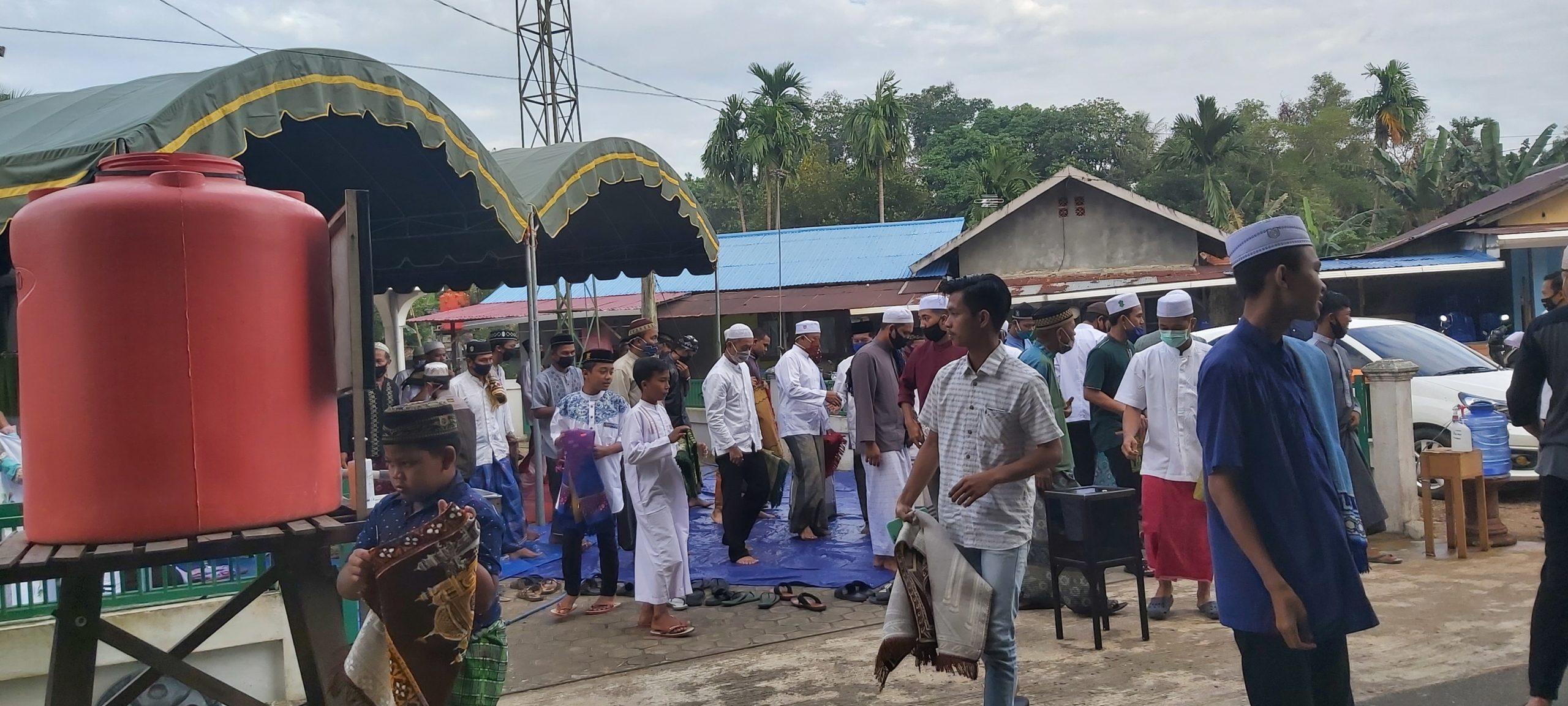 Sholat Idul Adha Warga Banjarbaru Ini Dengan Standar Covid-19 4