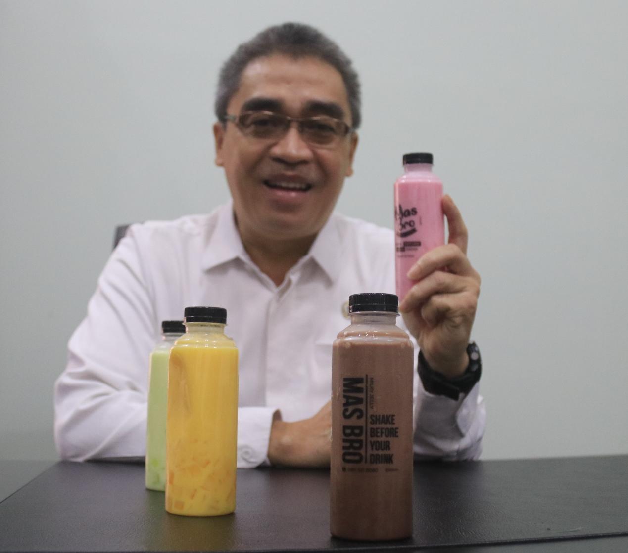 'Mas Bro' Jadi Minuman Pilihan Walikota Banjarbaru di Tengah Pandemi Covid-19 5