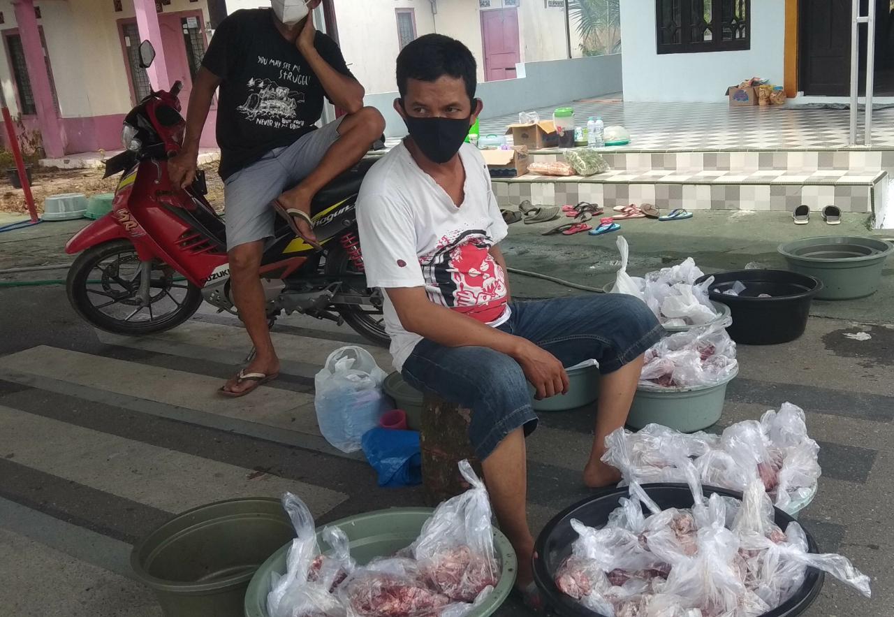 Warga Banjarbaru Bersyukur Masih Bisa Dapat Daging Qurban Meski Pandemi 4