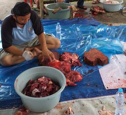 Warga Banjarbaru Bersyukur Masih Bisa Dapat Daging Qurban Meski Pandemi 5